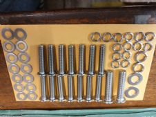 CHAINCASE STAINLESS 6MM  BUTTON BOLTS AND WASHER KIT